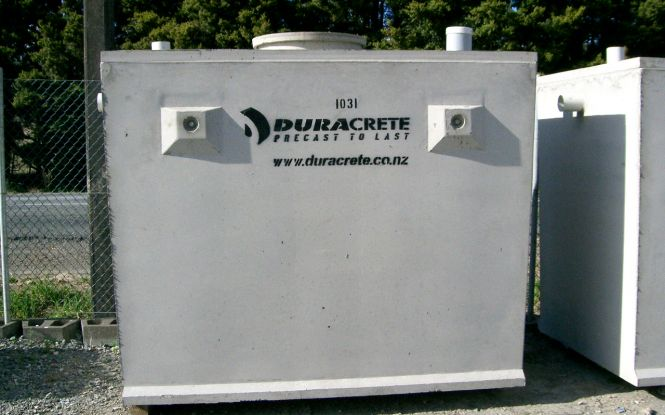 Single chamber septic tanks